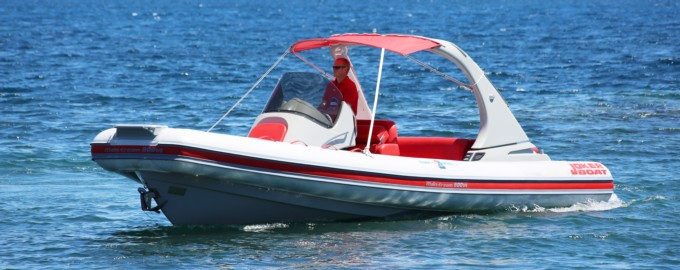 Rent this brand new semi rigid boat from villefranche sur mer for only