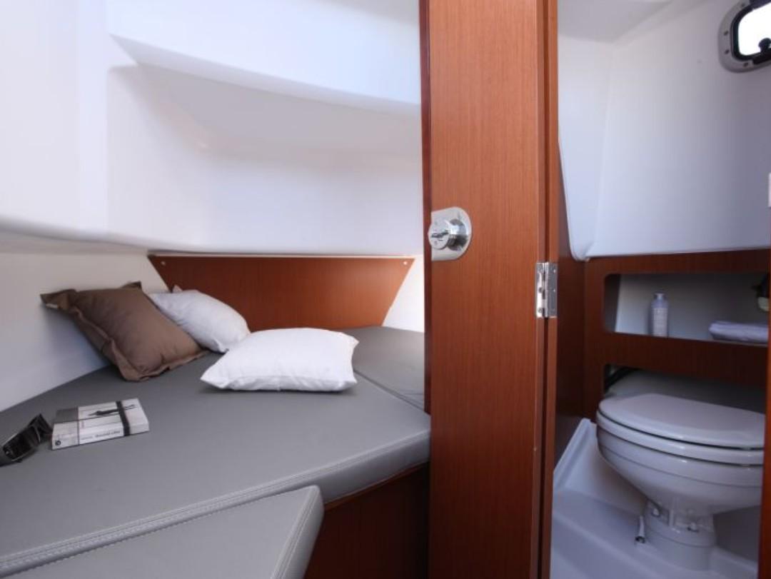 antibes location bateau moteur barracuda 7 location de bateau location de voilier location. Black Bedroom Furniture Sets. Home Design Ideas