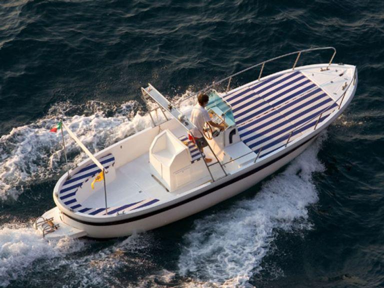 noleggio barca a motore gozzo noleggio barche a motore