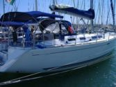 Sailboat charter Dufour 425
