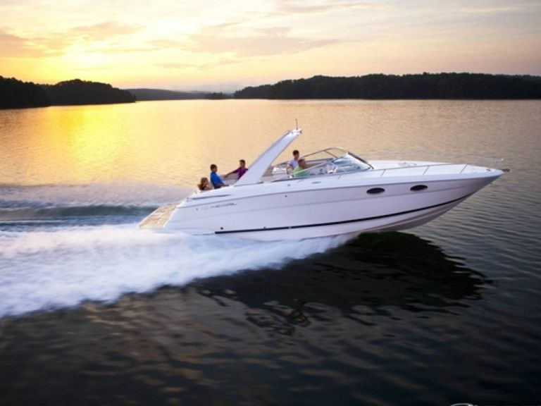Boat rental Regal 3350 Sport