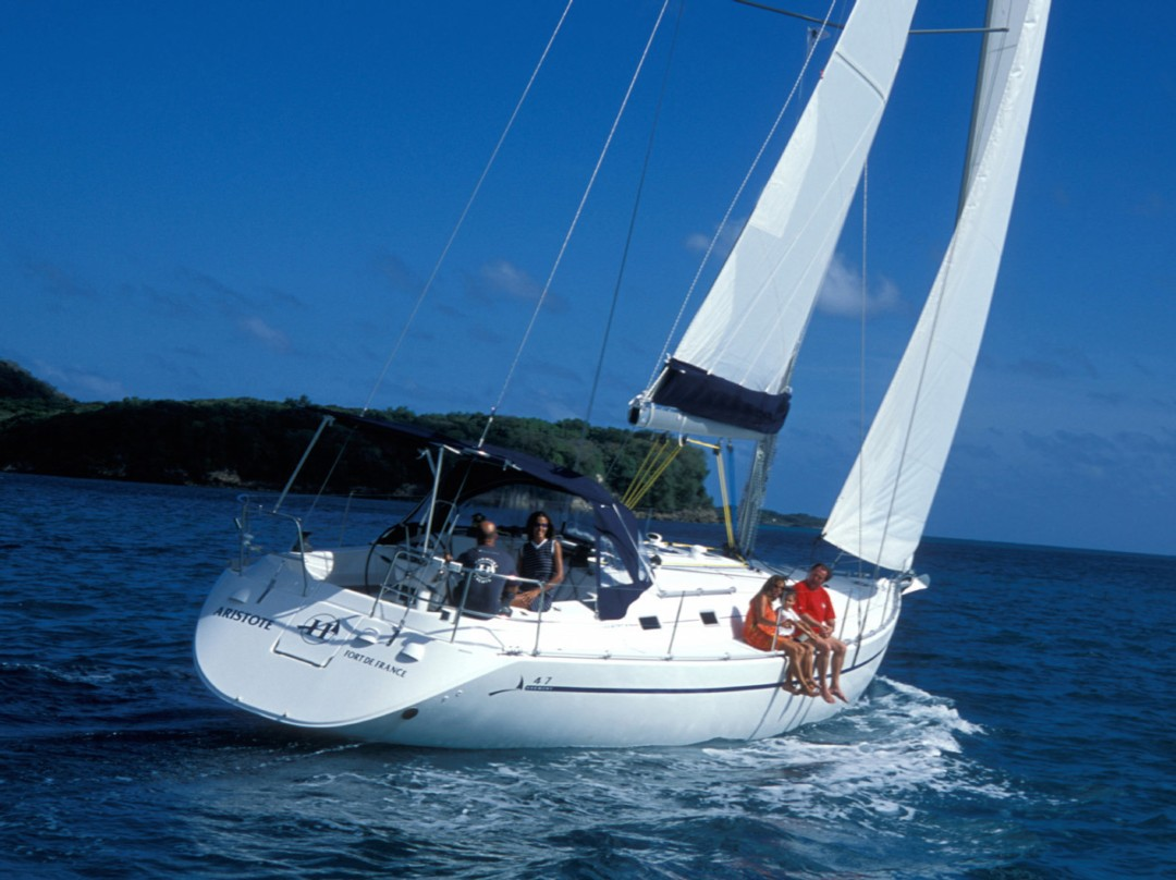Sailboat charter Harmony 47