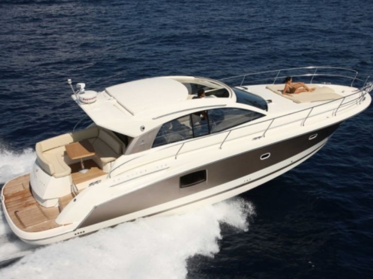 Easy Boat booking honeymoon Yacht charter